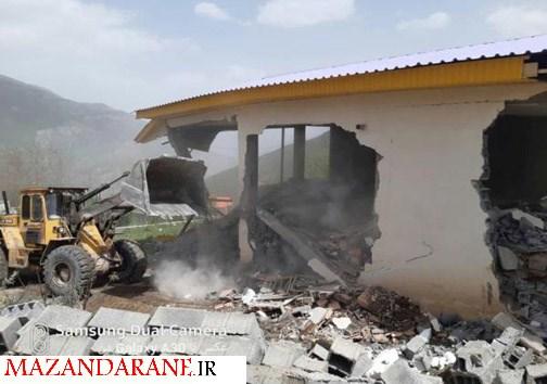 تخریب ویلای ۵۰۰ متری در روستای دره کنار لاریجان شهرستان آمل
