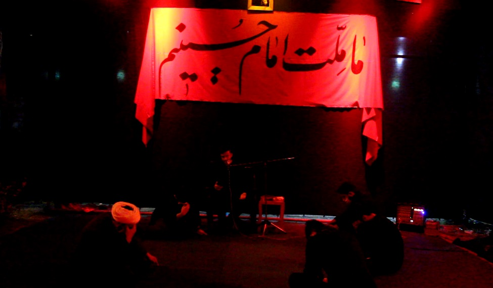 برپایی خیمه عزای ابا عبدالله الحسین (ع) توسط جوانان گروه جهادی امام رضا(ع) آمل