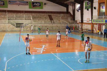 آخرین تمرین تیم والیبال نوجوانان هراز آمل برای اعزام به مسابقات لیگ برتر برگزار شد